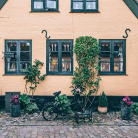 Little yellow house in Dragør